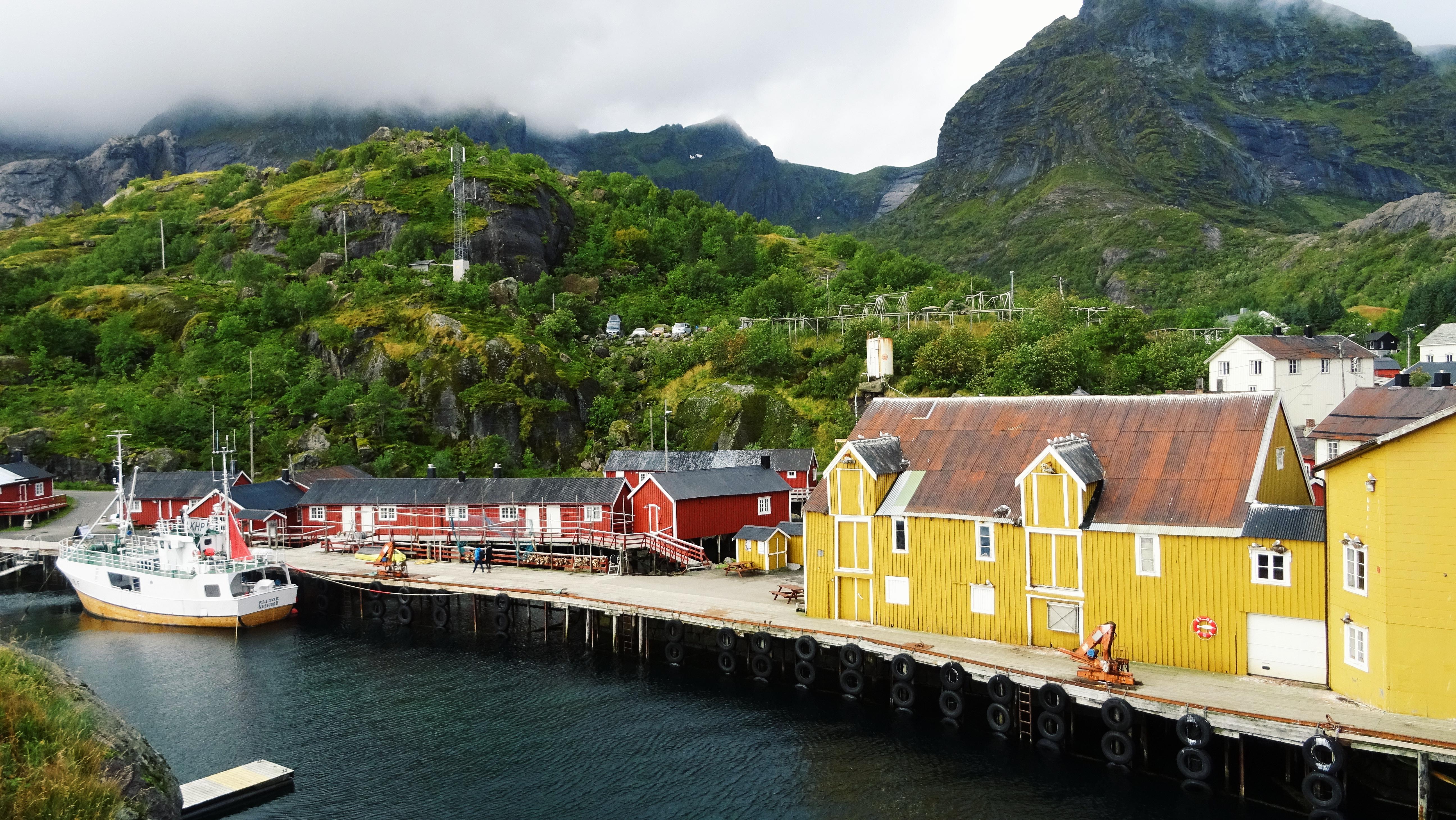 Nusfjord – tradycyjna wioska rybacka na Lofotach